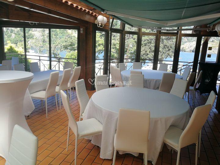 Salle de réception + Lac