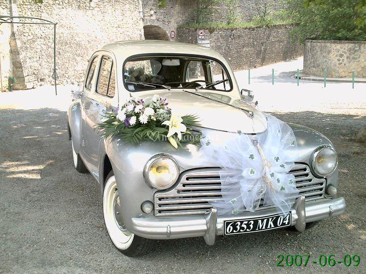 203 Peugeot décorée