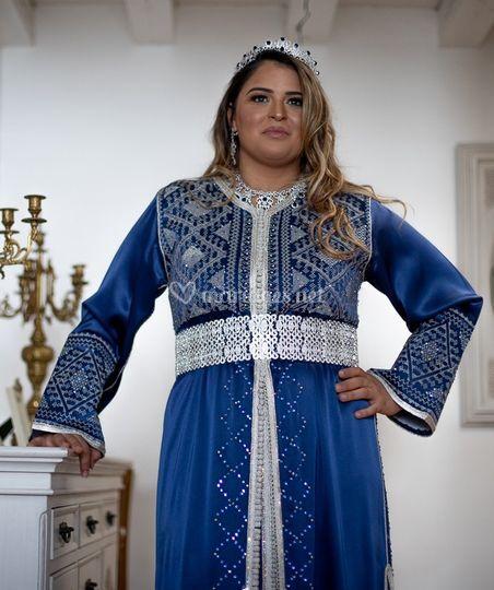 Caftan bleu satin duchesse