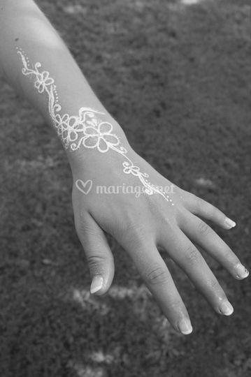 Tatouage poudre de diamant