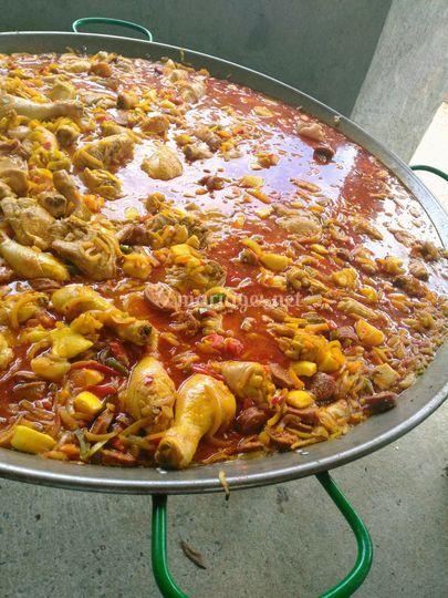 Paella en préparation