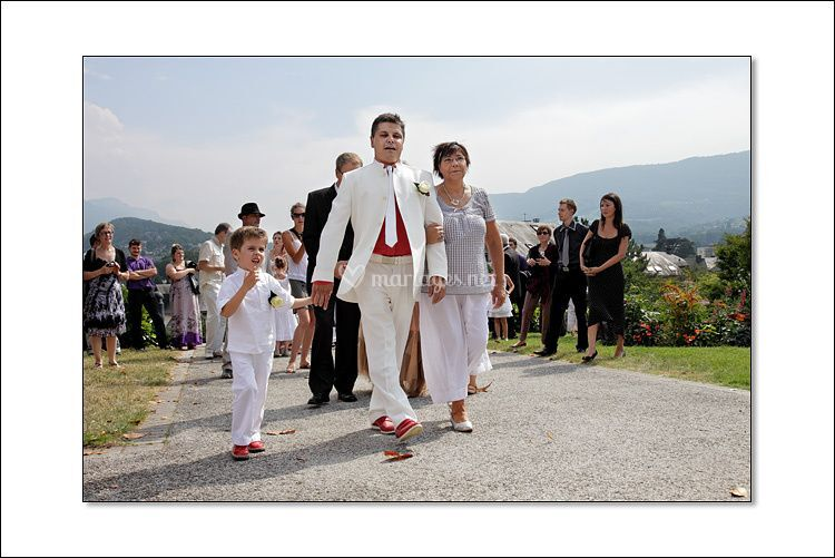 Le marié arrive