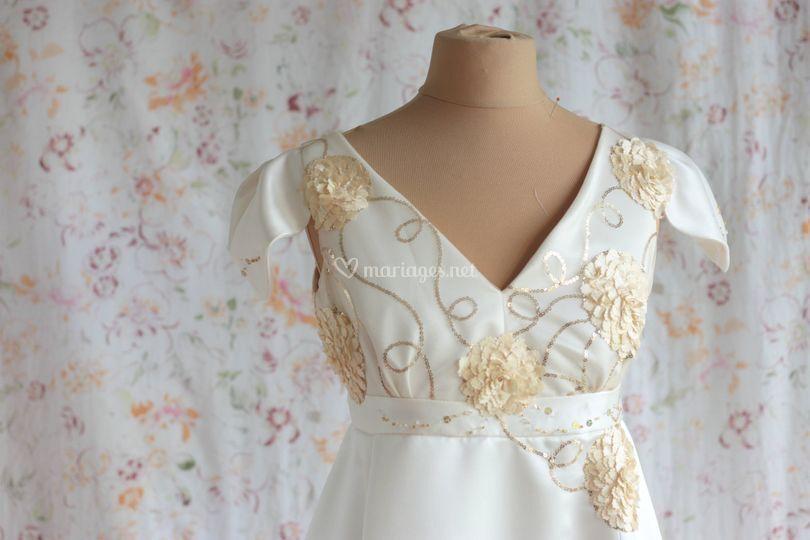Robe de mariée blanche et or