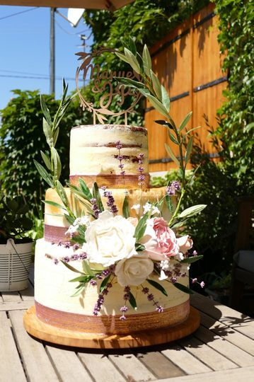 Wedding cake fraise rhubarbe e
