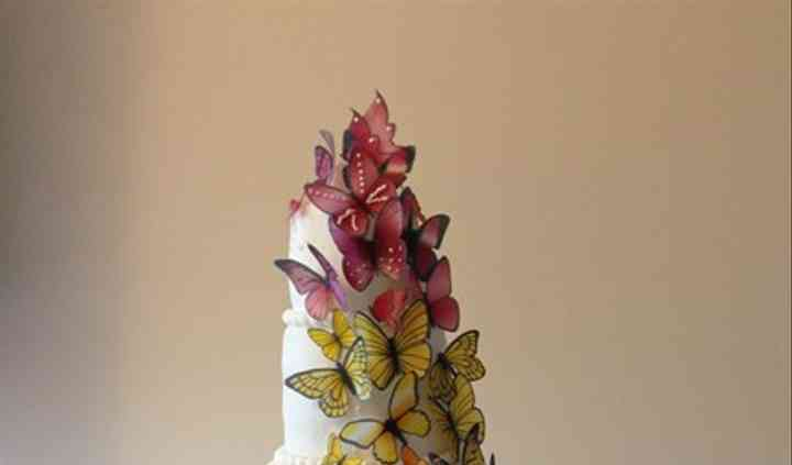 Papillon arc en ciel wedding cake