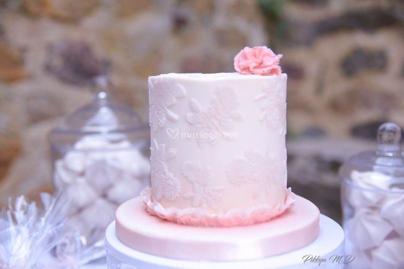 Mini wedding cake rose