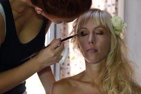Anaïs Dollois Makeup Artist