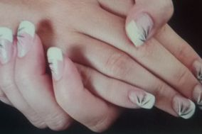 Belle Dame Papillon Nails