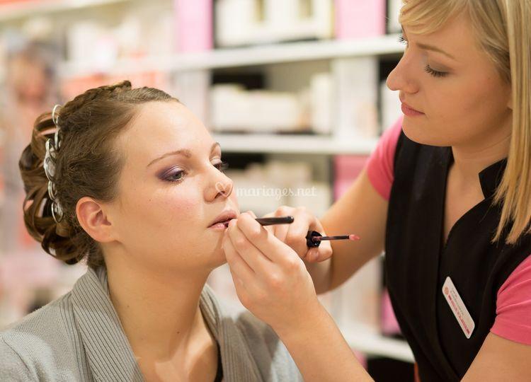 Le maquillage sur <b>Claire Rossignol</b> Photographie - t25_0o8a4788-copier_3_130727