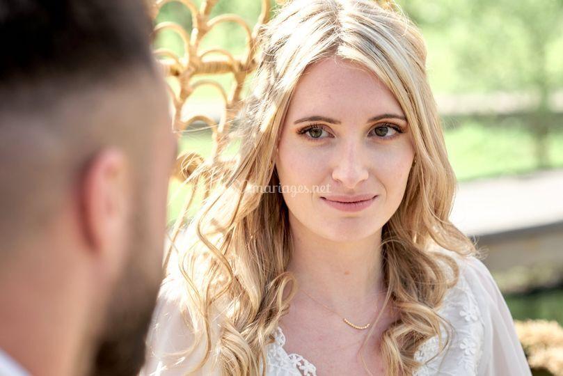 Mariée regard