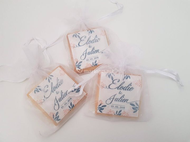 Biscuit sachet tulle