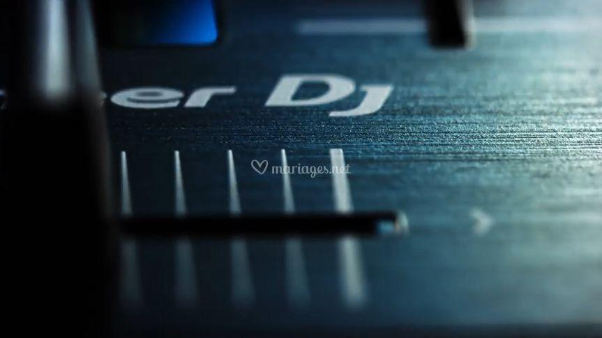 DJ DANCEFLOOR
