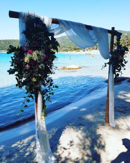 Arche de cérémonie plage corse