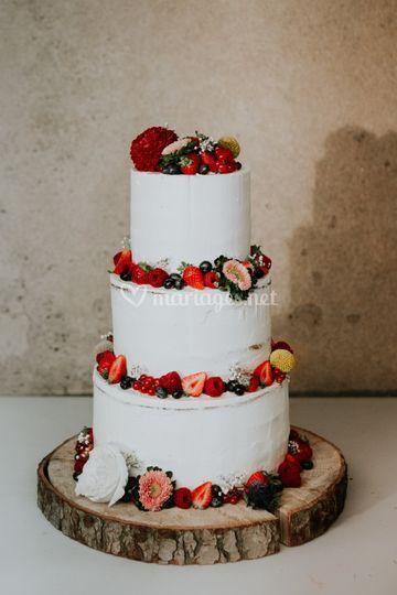 Naked cake fruits rouge