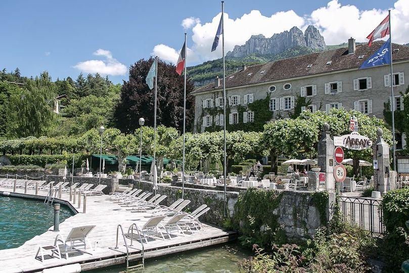 faade abbaye ponton sur abbaye de talloires - Abbaye De Talloires Mariage
