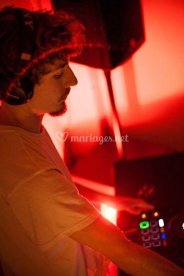 DJ Cartesían