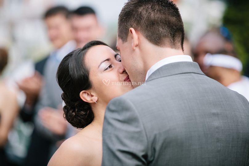 premier baiser sur ossaphoto - Photographe Mariage Net