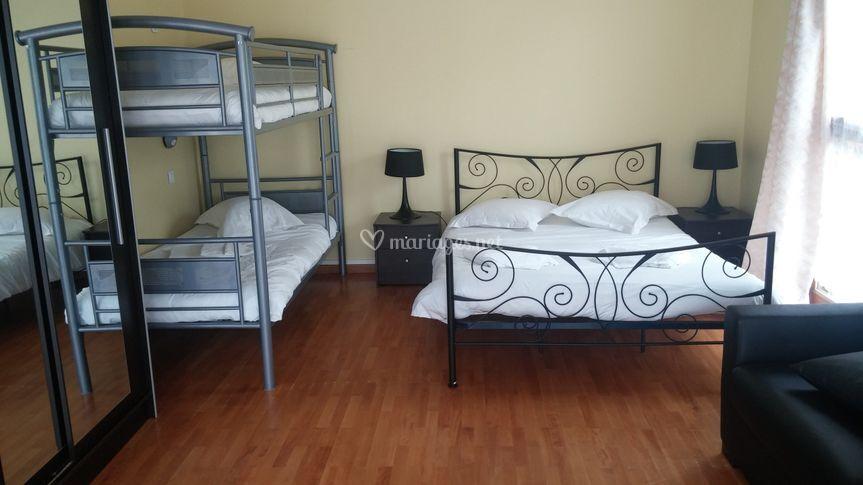 gouville val d 39 iton. Black Bedroom Furniture Sets. Home Design Ideas