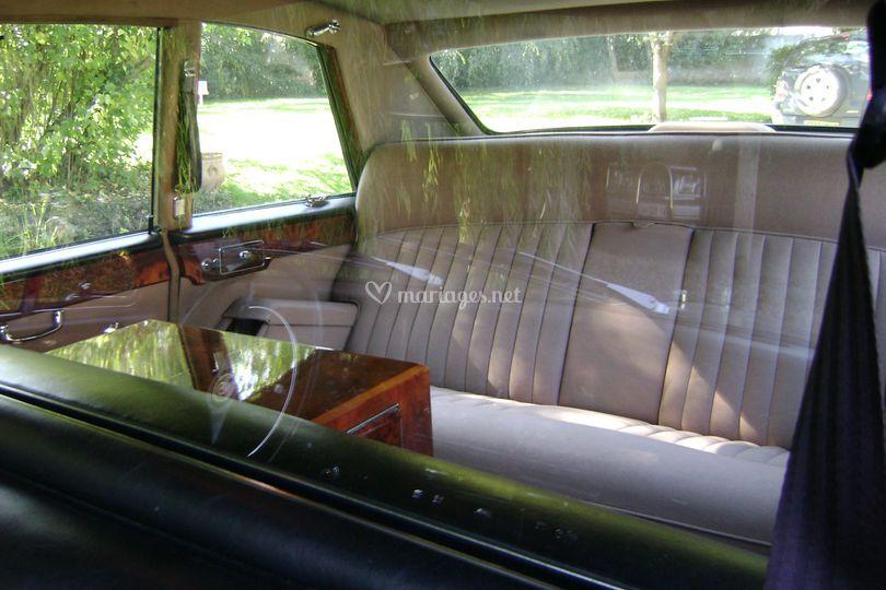L'intérieur de la voiture
