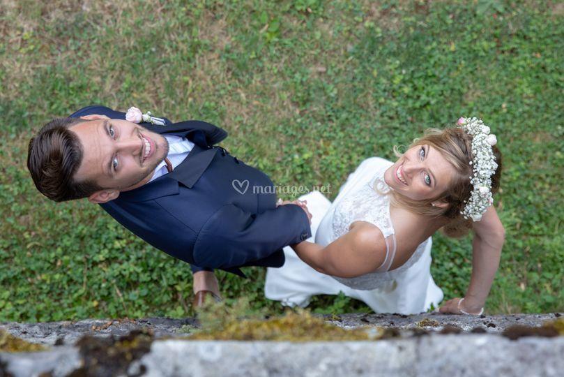 Photo couple contre le château