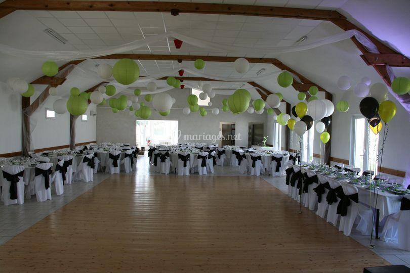 La salle avec piste de danse