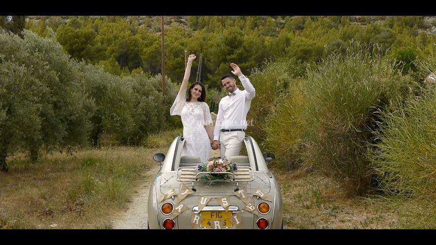 Ellie et Craig Nissan Figaro