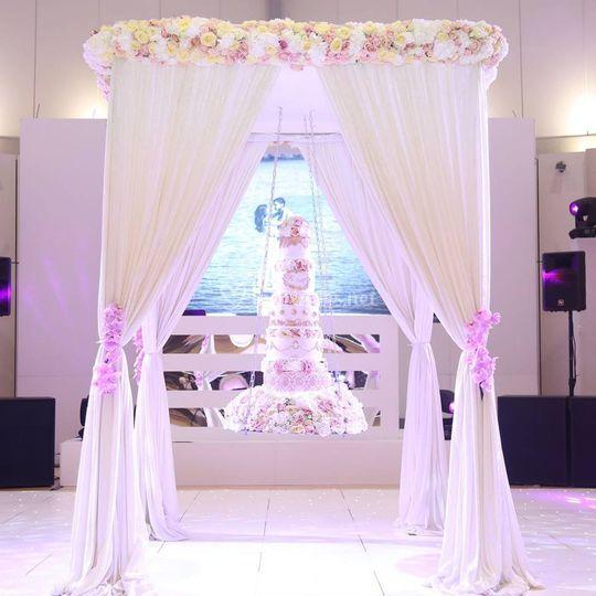 Wedding cake flora suspendu