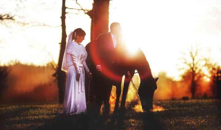 Couple mariage à cheval