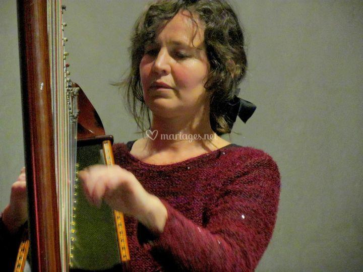 Sur la grande harpe