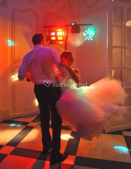 En dansant