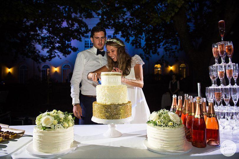 Wedding cake glitters