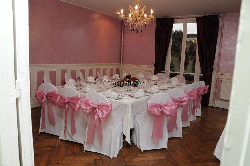 Salle Pavillon décoration rose