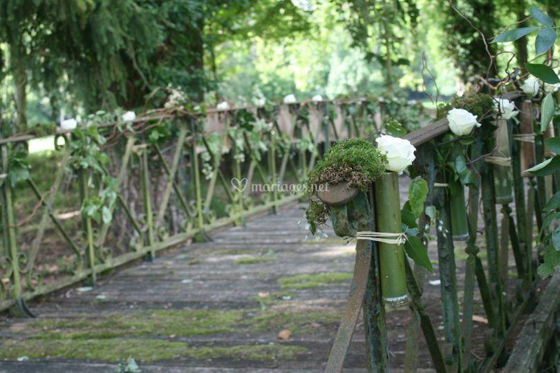 Le pont XIXième dans le parc