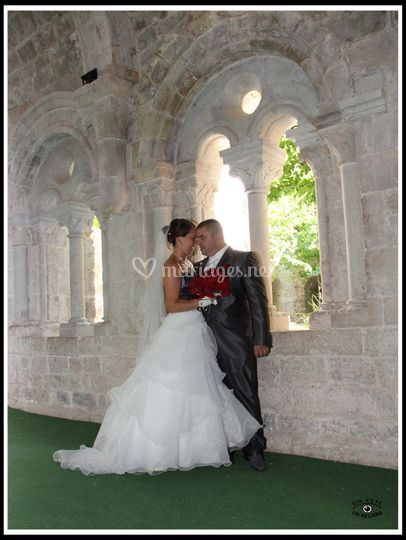 Mariés dans le cloitre abbaye