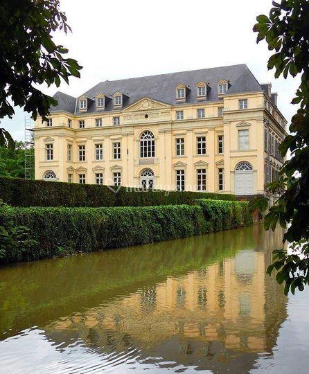 Château d'Avelin & douve