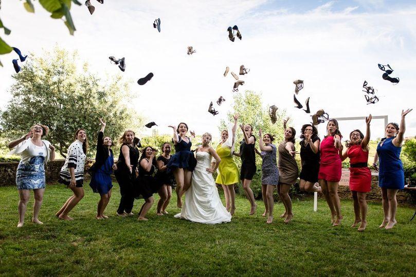 Photo mariées et amies fun