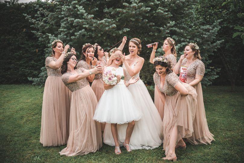 La marié et ses demoiselles