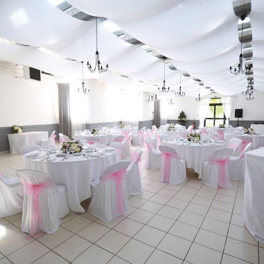 Salle moderne spacieuse