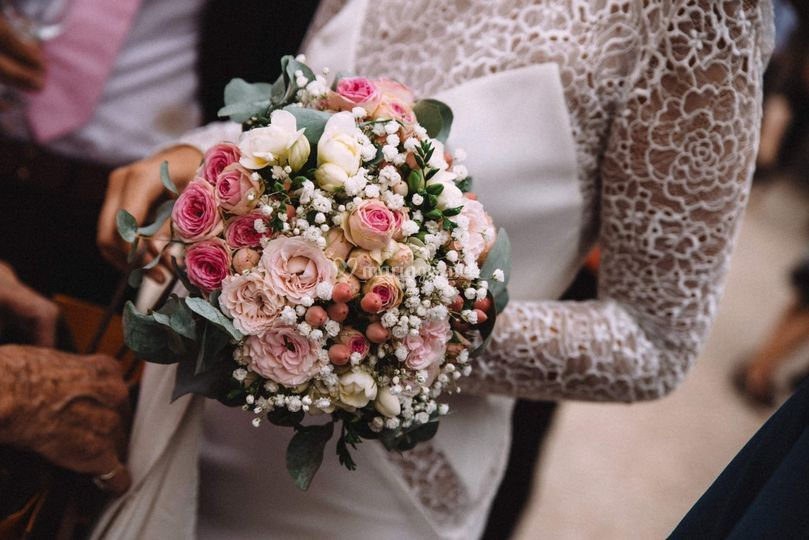Bouquet By Charles Design.