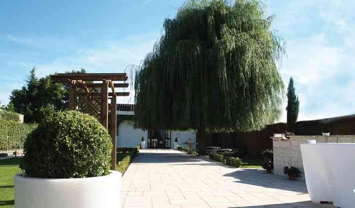 Salle et jardin