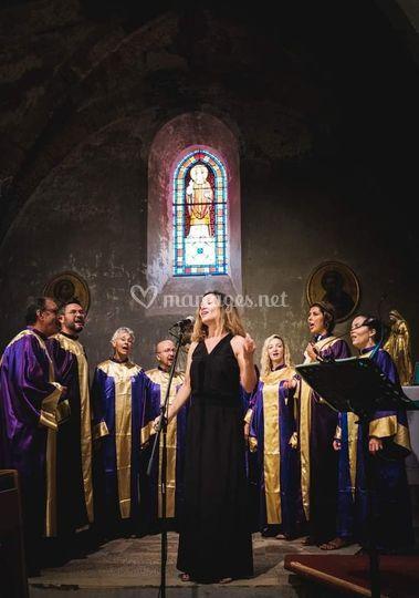 Le choeur à l'église