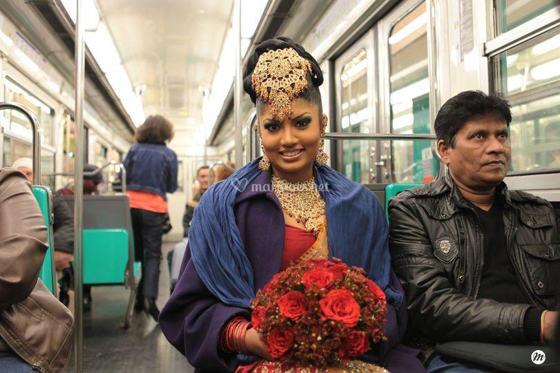 Mariée dans le métro parisien