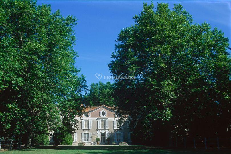 Façade du Château de Vergières