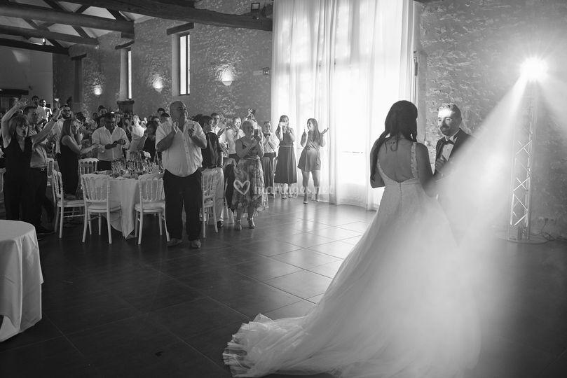 Première arrivée des mariées...