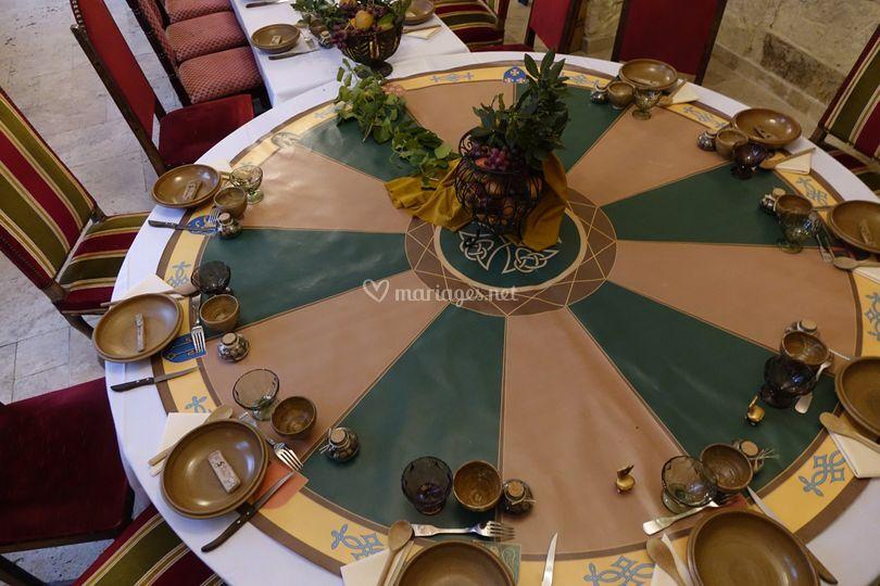 Table avec couvert en grès