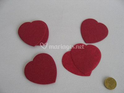 Confettis de scène bordeaux forme coeur
