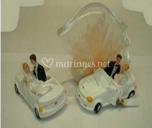 2 Couples dans voiture