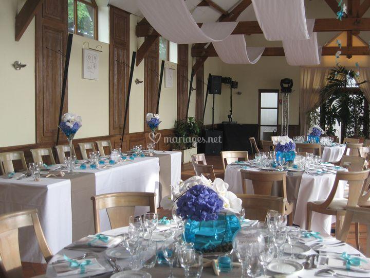 Salle de réception décorée thème bleu