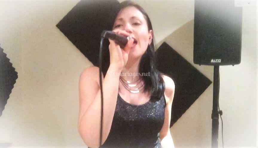 Elena Penalver, chanteuse