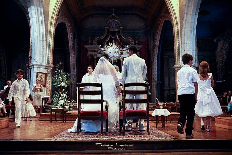 Devant le prêtre